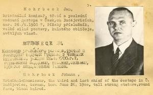 Poválečný zatykač na velitele budějovického gestapa Hanse Möhrbeka. Nikdy nebyl vypátrán