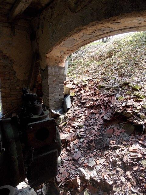 vstup--kterym-byl-do-mlyna-dopraven-parni-stroj