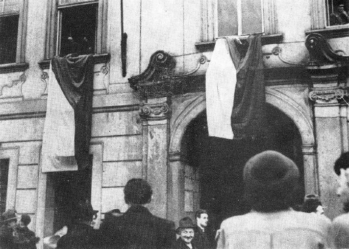 vyvesovani-vlajek-v-radnicnich-oknech